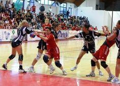 Handball: Jomi Salerno si aggiudica gara uno di finale scudetto! - http://virgiliosalerno.myblog.it/archive/2013/04/28/handball-jomi-salerno-si-aggiudica-gara-uno-di-finale-scudet.html