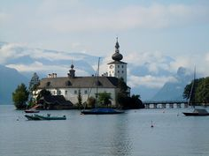 pohled na zámek Ort od Traunsee