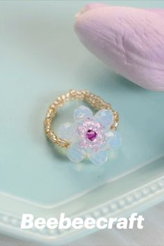 #Beebeecraft excellent idea on making DIY flower#rings with #glassbeads. #jewelry #jewelrymakingsupplies #supplies #crafts #diy #jewelrymaking