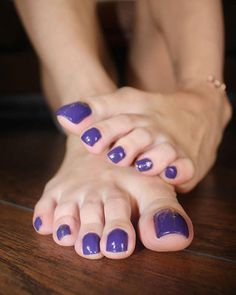 This pedi is making me so happy! I love anything that sparkles 😍 (this was taken from today's only fans post 😜) Purple Toe Nails, Purple Toes, Pretty Toe Nails, Cute Toe Nails, Sexy Nails, Sexy Toes, Pretty Toes, Beautiful Nail Polish, Beautiful Toes