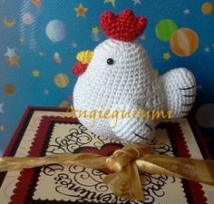 Amigurumi DIY by AngieGurumi: Chicken Pattern. Crochet Birds, Easter Crochet, Love Crochet, Crochet Animals, Diy Crochet, Crochet Crafts, Yarn Crafts, Crochet Baby, Crochet Projects