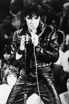 Elvis 1968 comeback special. Elvis at his hottest!