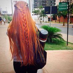 Instagram media by veronicamm2 - In loving 😻 @fogaca.paloma que fez. 🦁❤️ #cabeloslongos #redheadgirl #redheadbrasil #redhair #weloveredhair #ruiva #trancas #cabelosdivos #lovered #raposa #ariel #arquitetura #ruivice #hairfashion