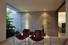 Rajuela House by Muñoz Arquitectos | HomeDSGN