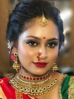 Marathi Nath, Nose Jewels, Actress Without Makeup, Glamorous Makeup, Bollywood Actress Hot Photos, Manish, Indian Bridal, Hottest Photos, Beautiful Bride