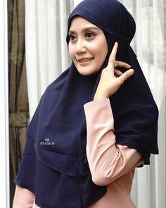 Hanya di @nicehijab_ols Hijab instan exclusive harga murahbahan dan jahitan kualitas bagus . Buktikan sendiri cek testimoninya di @nicehijabtesti