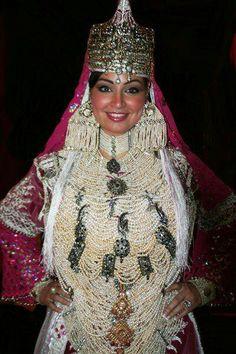 Tenue traditionnelle algerienne pour le mariage