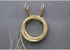 Porte tuyau d'arrosage forme corne de renne ulttra design et chic signé GARDEN GLORY en vente chez www.ksl-living.fr