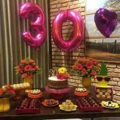 Decor linda... 🌺🌷🌸🌻 By @lamouremcadadetalhe - Uma decoração com cores virantes a pedido da aniversariante linda @rochelleramalho Parabéns… Aloha Party, 30th Party, I Party, Birthday Parties, Birthday Goals, Festa Party, Birthday Pictures, Luau, Birthdays