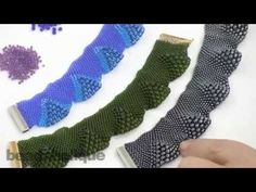 How to Do Peyote Bead Weaving with Various Sizes of Beads - YouTube
