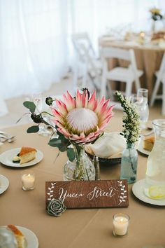 Simple and Modern Tricks: Wedding Flowers Peonies Yellow wedding flowers lillies floral arrangements. Neutral Wedding Flowers, Cheap Wedding Flowers, Floral Wedding, Bridal Flowers, Wedding Table Centerpieces, Floral Centerpieces, Table Decorations, Wedding Decorations, Protea Centerpiece