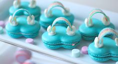 over-the-rainbow-macarons