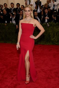 """Reese Witherspoon attends the """"China: Through The Looking Glass"""" Costume Institute Benefit Gala at the Metropolitan Museum of Art on May 2015 in New York City. Get premium, high resolution news photos at Getty Images Met Gala Red Carpet, Red Carpet Gowns, Red Carpet Outfit, Best Red Carpet Dresses, Elle Woods, Celebrity Dresses, Celebrity Style, Reese Witherspoon Style, Pastel Tops"""