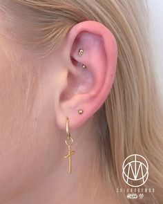 "Jesus Cabanas, Aka ""Sala"" on Instagram: ""Goldy Sunday #piercings #pinpointpiercing #pinpoint #appmember #safepiercing #rookpiercing #sunday #earcandy#earpiercing #gold"" • Instagram"
