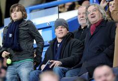 Matt Damon & family. Chelsea fans.