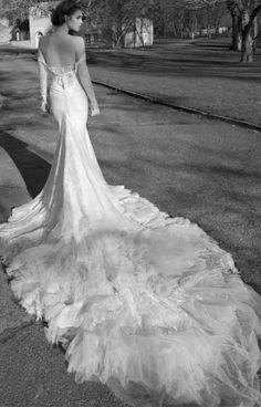 Свадебное платье Inbal Dror со шлейфом   смотреть фото цены купить