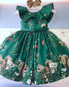 Image may contain: one or more people and people standing Baby Girl Party Dresses, Dresses Kids Girl, Little Girl Dresses, Kids Outfits, Kids Frocks, Frocks For Girls, Girls Belle Dress, Baby Clothes Sizes, African Dresses For Kids