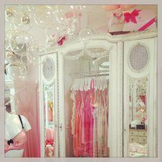 55 Faire Frou Frou boutique Los Angeles CA. - full details→ http://kathleenfashiondesignerclothes.blogspot.it/2013/11/55-faire-frou-frou-boutique-los-angeles.html