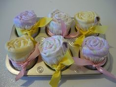 Small Fry & Co. : Burp Cloth Cupcakes ~ Super cute baby shower idea :)