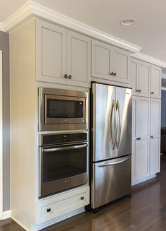 Transitional Designed Kitchen in Birmingham, MI by KSI Kitchens Double Oven Kitchen, Kitchen Oven, Kitchen Redo, Kitchen Remodel, Kitchen Appliances, Kitchens With Double Ovens, Kitchen Ideas, Kitchen Cabinets, Galley Kitchen Design