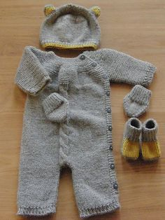 Ravelry: Tiny Essentials -hat,mittens,booties pattern by Pinar Ürün Sizun    This set would be so cute as baby shower gift!