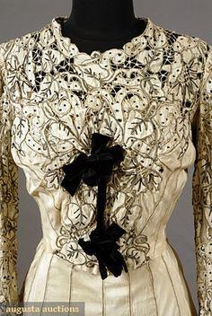 Paris Silk Cutwork Tea Gown cream silk crepe, cutwork edged in black embroidery, Paris label petersham. 1900s Fashion, Edwardian Fashion, Vintage Fashion, Vintage Outfits, Vintage Gowns, Edwardian Clothing, Antique Clothing, Historical Costume, Historical Clothing