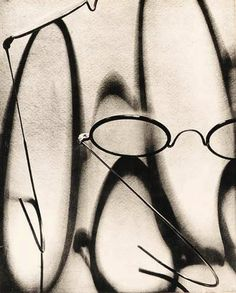 Ombres d'Optique, 1929 by French photographer Pierre Dubreuil via Camera Obscura Shadow Photography, Still Life Photography, Abstract Photography, Creative Photography, Pinterest Photography, Shadow Art, Shadow Play, Photo B, Jolie Photo