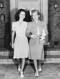 Shirley Temple and Mary Pickford, Cover of Life Magazine 1943