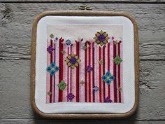 Pot Holders, Cross Stitch, Flowers, Punto De Cruz, Hot Pads, Potholders, Seed Stitch, Cross Stitches, Royal Icing Flowers