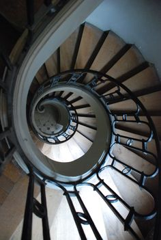 Versailles       spiral staircase