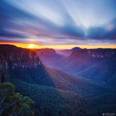 Autumn sunrise at Govett's Leap, Blue Mountains,  Australia.  Photo by Daniel Tran