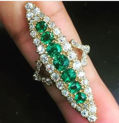 Vintage 18Kt Old European Diamond & Green Emerald YellowGold Jewelry Ring 5.33Ct