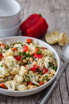 This Mediterranean Cauliflower Salad that can be enjoyed both cold and warm depending of the season. You will get crispy cauliflower florets when you baked it in oven with a drizzled olive oil and a sprinkled of salt and pepper. Top Recipes, Veggie Recipes, Vegetarian Recipes, Healthy Recipes, Recipies, Dinner Recipes, Dessert Recipes, Cauliflower Salad, Plant Based Diet