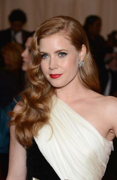 Long wavy hairstyles  - Amy Adams hairstyle