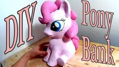 DIY Pony Bank - Nutella Jar and Air Dry Paper Clay In this video I show you another way to use jars and air dry paper clay. I made a cute little pony as Biscuit, Cardboard Box Diy, Smurf House, Diy Fairy Door, Nutella Jar, Pots, Making A Bench, Diy Silicone Molds, Paper Clay