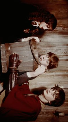 Harry Potter Cast Having Fun On Set until Harry Potter Cast And Crew save Harry Potter Characters In The First Book as Harry Potter Vans Nz Harry James Potter, Harry Potter Tumblr, Blaise Harry Potter, Arte Do Harry Potter, Theme Harry Potter, Harry Potter Pictures, Harry Potter Characters, Harry Potter Fandom, Harry Potter Ron And Hermione