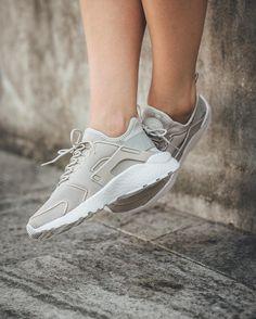 nike air huarache ultra women's light grey