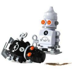 Salt & Pepper Robots   Think Geek