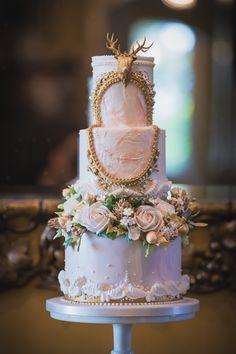 The best quirky wedding cakes - Blumen, Torten, Brautringe - Unusual Wedding Cakes, Country Wedding Cakes, Black Wedding Cakes, Quirky Wedding, Beautiful Wedding Cakes, Beautiful Cakes, Gold Wedding, Cake Wedding, Purple Wedding
