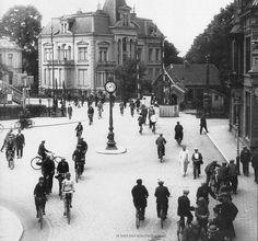 Nederland, Enschede, wat nu het stationsplein is met de kruising Korte Hengelosestraat en achterin links de Deurningerstraat. Ca 1930.