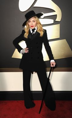 Madonna in Ralph Lauren Grammy Awards 2014 Celebrity Red Carpet, Celebrity Dresses, Celebrity Style, Funky Fashion, High Fashion, Grammy Awards 2014, Divas Pop, Hollywood Red Carpet, Hollywood Stars