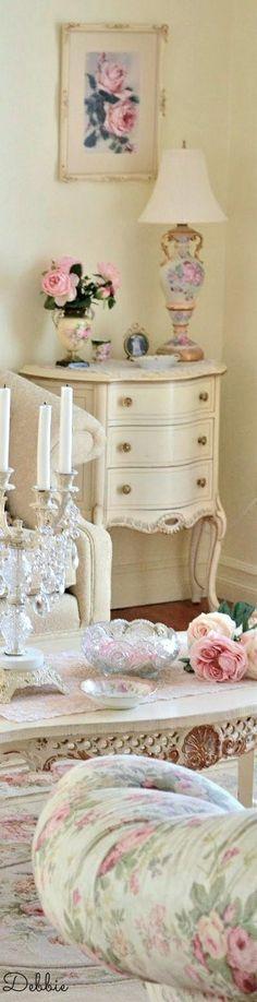 Victoria's rose cottage ~ Debbie ❤ #shabbychicbathroomssmall