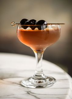De la Louisiane cocktail recipe (rye, Bénédictine, sweet vermouth, absinthe, Peychaud's bitters) | Photo: Daniel Krieger