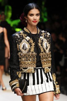 The Lady With The Little Dogs And The Cat: Dolce & Gabbana - Tropico Italiano - Details!!!!! - Milan Fashion Week!!!! - Spring/Summer 2017 - part 1