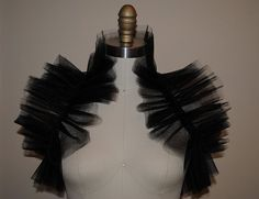 ∫ Tulle Shrug ∫  Awesome, and so easy.
