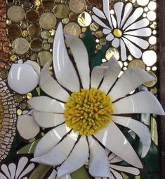 Special Mosaic Projects by Nikki Murray-Mason. Using curved pieces. Mosaic Pots, Mosaic Wall Art, Mirror Mosaic, Mosaic Garden, Tile Art, Mosaic Glass, Mosaic Tiles, Stained Glass Designs, Stained Glass Projects