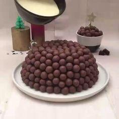 Easy Cake Recipes - New ideas Easy Cake Recipes, Sweet Recipes, Baking Recipes, Dessert Recipes, Chocolate Cake Recipe Easy, Bolo Chocolate, Cake Decorating Videos, Food Cakes, Creative Food