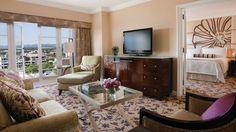 Luxury Suite | Los Angeles Suites | Four Seasons Hotel Los Angeles