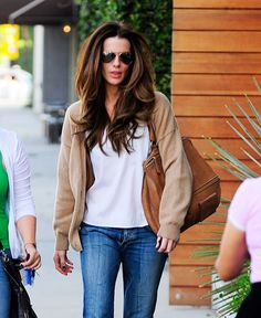 Friday Hair Porn: Kate Beckinsale's Swingy Locks Out on a Walk: Girls in the Beauty Department