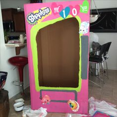 Shopkins vending machine photo booth Shopkins vending machine photo booth Shopkins vending m Fete Shopkins, Shopkins Bday, 9th Birthday Parties, 8th Birthday, Birthday Ideas, Bday Girl, Little Girl Birthday, Machine Photo, Photo Booth
